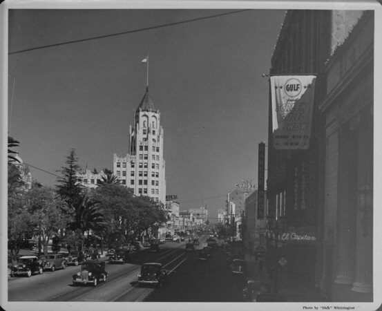 Looking east between the 6000 and 7000 blocks of Hollywood Boulevard