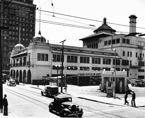 Photo of the Examiner builiding in downtown Los Angeles