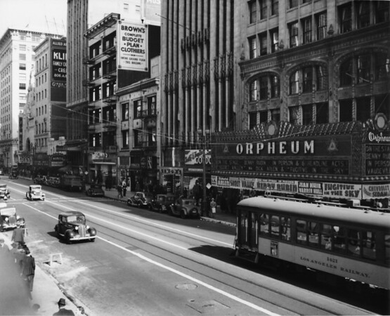In Downtown Los Angeles facing north on South Broadway between West Ninth Street and West Eighth Street