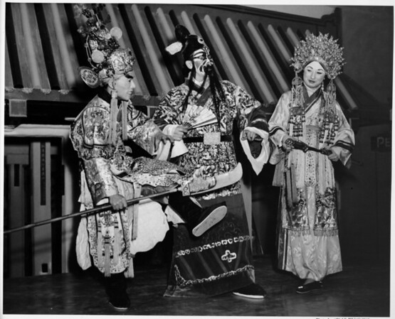 Chinese Theater in 1948, Chinatown in 1948, performances, costumes