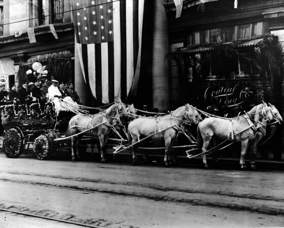 Chamber of Commerce Float, Shrine Convention of 1912