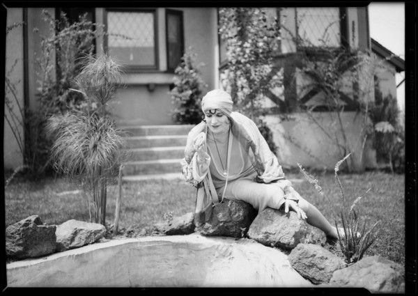 Beverly Hills Heights, Edna May Cooper (model), Beverly Hills, CA, 1926