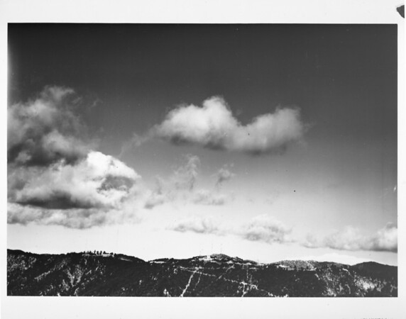 Facing north Mount Wilson in the San Gabriel Mountains (Angeles National Forest)