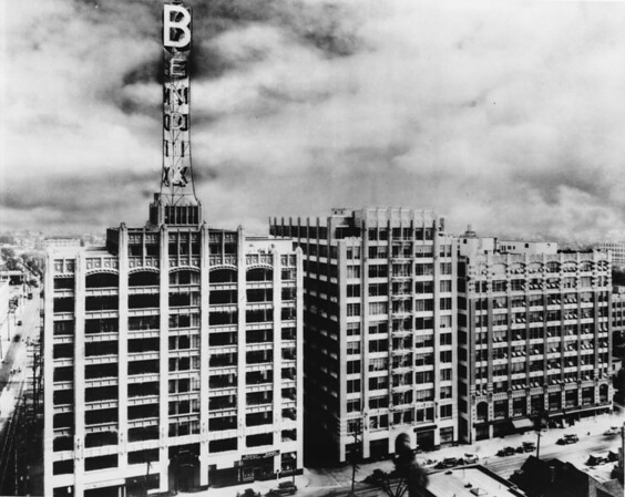 The Bendix Building at the corner of Twelfth Street and Maple Avenue, facing south