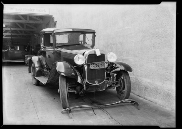 Wrecked cars, Mr. Holton, Southern California, 1930