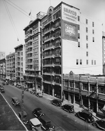 Los Angeles Street, east side between Eighth Street and Seventh Street