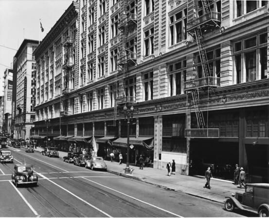 Facing north on South Hill Street between West Eighth Street and West Ninth Street The May Company, Union Bank & Trust Company, Melody Lane