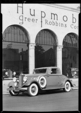 Hupmobile with Vogue tires, Southern California, 1932