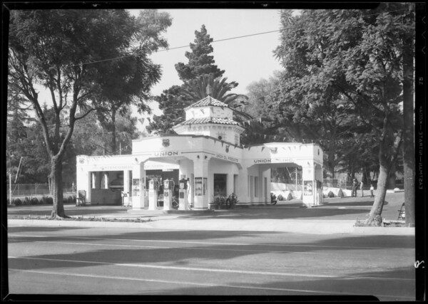 Station, North Beachwood Drive and Franklin Avenue, Los Angeles, CA, 1932