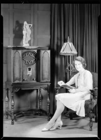 Mary Philbin and radio, Majestic Radio, Southern California, 1930