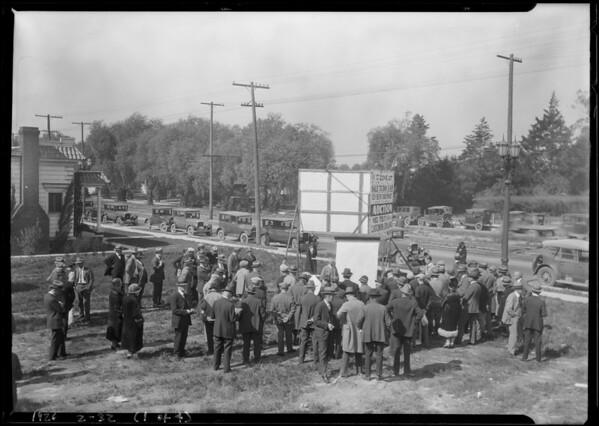 Crowd at auction lot at Santa Barbara & Vermont, Southern California, 1926