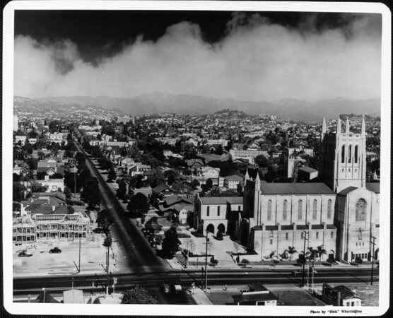 First Congregational Church and surrounding community at Sixth Street and Commonwealth Avenue, Los Angeles