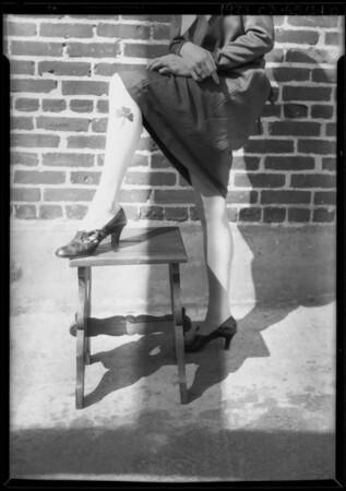 Girls with shamrock, Southern California, 1927