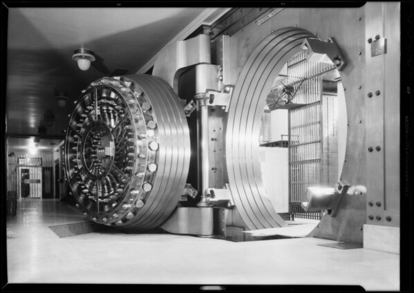 """Bank vault and car, """"If your car were a diamond"""", Southern California, 1932"""