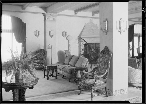 Exterior - lobby & entrance of Hermoyne Apartments, Rossmore Avenue & North Rosewood Avenue, Los Angeles, CA, 1930