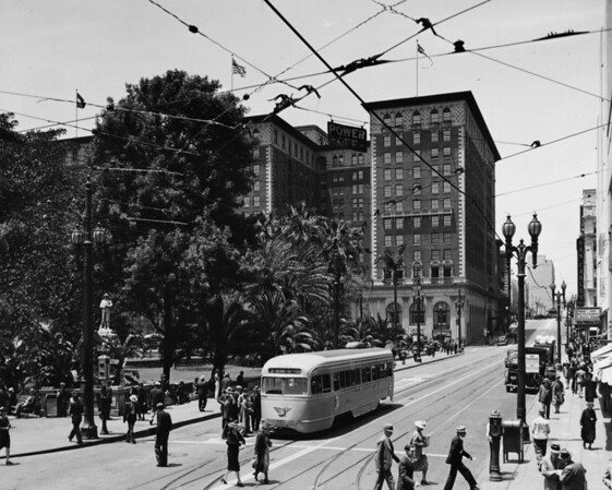 The Biltmore Hotel looking west from Sixth Street at the crossing of Hill Street Across the street is Pershing Squre.