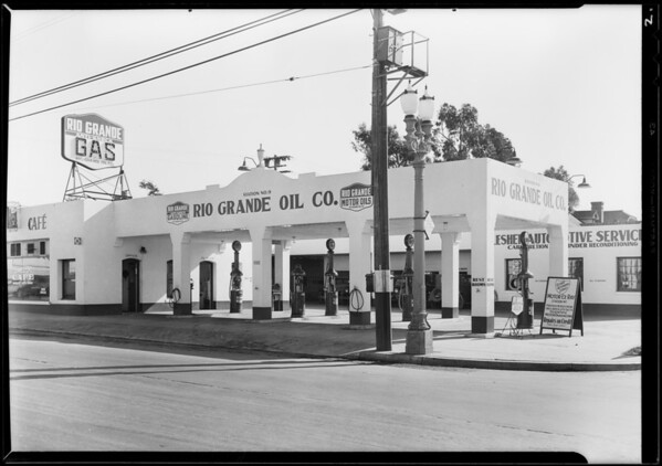 Station at 5582 Melrose Avenue, Rio Grande Oil Co., Los Angeles, CA, 1929