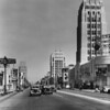Wilshire Boulevard in the Miracle Mile district facing east