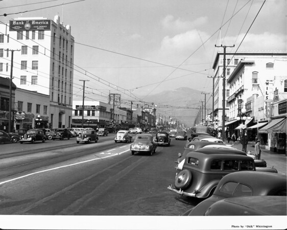 Looking up a Glendale street toward the mountains