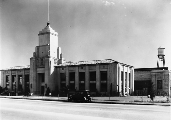 Photo of an industrial building in Los Angeles County