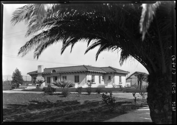 Wagner Thoreson, scenes at Van Nuys, Los Angeles, CA, 1926