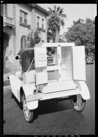 """Conaway, Mr. Stone and """"Kelvinator"""", ice box on Ford, Southern California, 1926"""