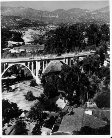 An aerial view of the Pasadena Bridge and the immediate are surrounding it