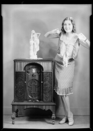 New model with & without dress, with Marion Shilling, Southern California, 1930