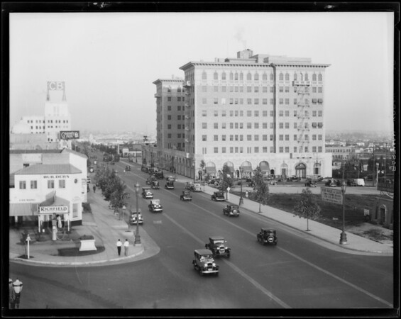 Traffic on Wilshire Boulevard from KEJK towers, Beverly Hills, CA, 1930