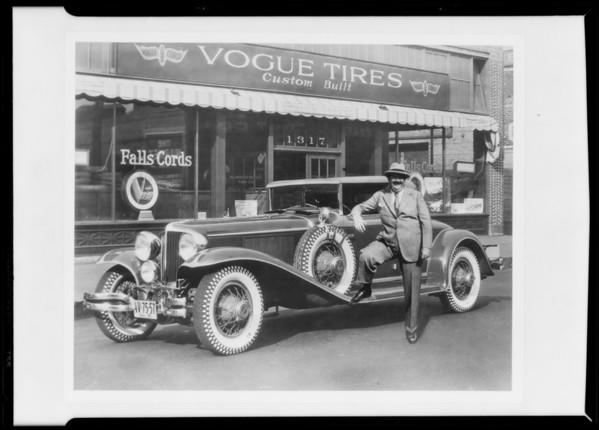 Paul Whiteman and Cord car, MacDonald-Dodson Tire Co., Southern California, 1930