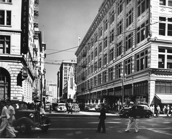 Looking down a bustling Eighth Street from Hill Street, ca.1930