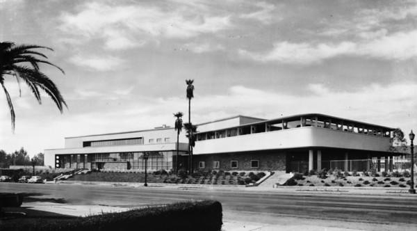 Bullocks Department Store office building or headquarters located in Pasadena