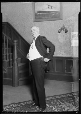 Churchill & Underwood flashlights, Southern California, 1927