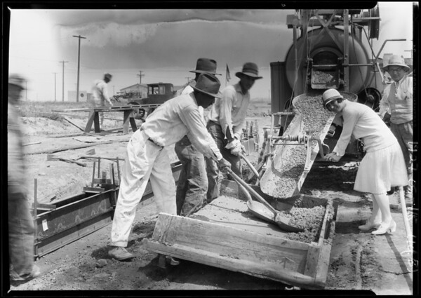 Putting in curb at Leimert Park, Los Angeles, CA, 1927