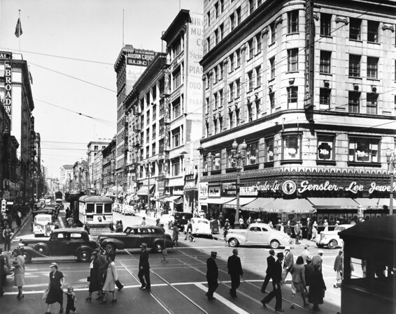 Photo of the 400 block of Broadway Street in downtown Los Angeles