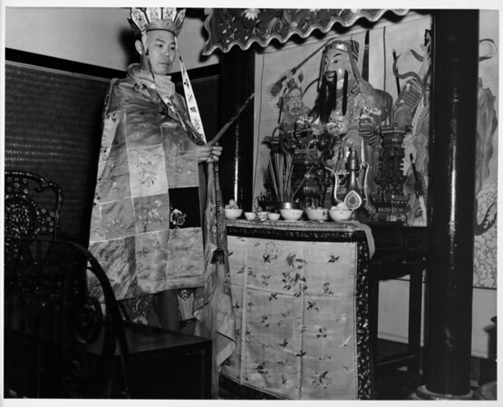 In costume at temple alter, Chinatown in 1948, religious practices in Chinatown