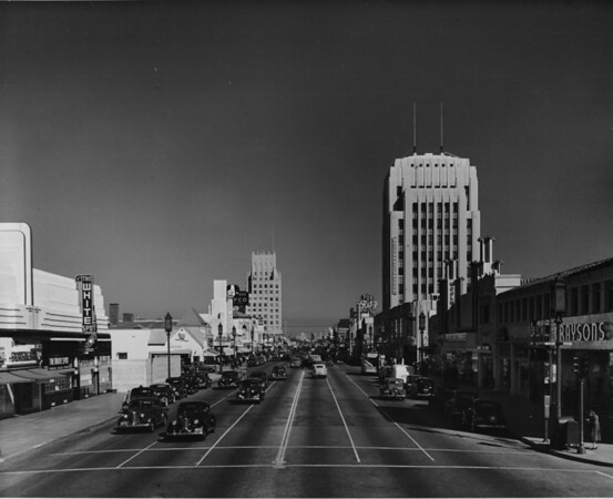 Wilshire Boulevard looking east from Dunsmuir Avenue