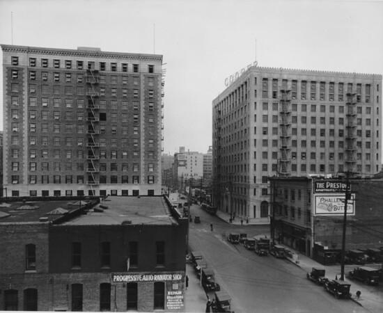 Los Angeles Street, at Ninth Street, Progressive Auto Radiotor Corporation
