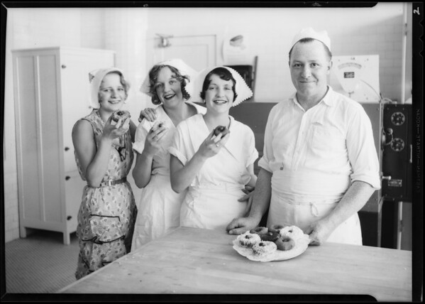 Cooking donuts at Vernon plant, Swift & Co., Southern California, 1931