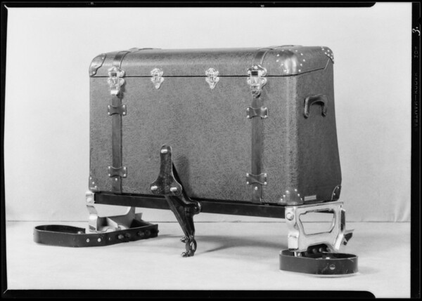 Ford trunks, racks, mirrors, windwings, etc., Southern California, 1929