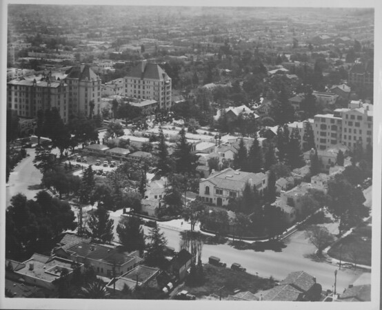A high-angle view of a residential area in Hollywood, ca.1920-1958