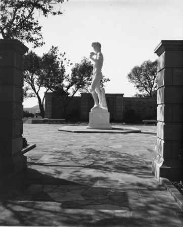 A shot of the sculpture of David cropped by an entrance way