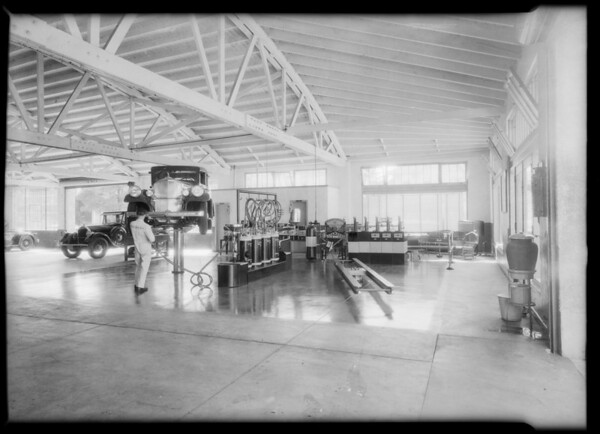 Lubrication department, Pierce Arrow Service, Southern California, 1932
