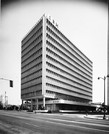 Photo of the IBM Building on Wilshire Boulevard at the corner of Wilshire Boulevard and Mariposa Avenue, facing east