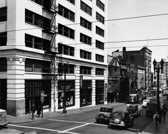 Photo taken facing east on Second Street. C.H. Frost Building and Lyon League Building are in clear view