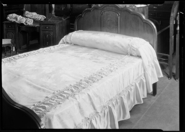 Bed spreads, Broadway Department Store, Los Angeles, CA, 1930