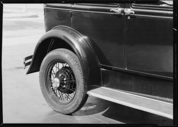 Ford sedan, Southern California, 1931