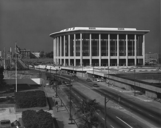 Newly constructed Dorothy Chandler Pavilion looking south on Grand Avenue