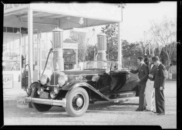 Dorothy Burgess & Packard car, Southern California, 1932