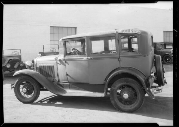 Ford sedan, Land & Pierson Garage, Glendale, CA, 1932